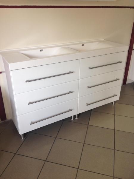 Linea 140 cm fürdőszoba szekrény ikermosdóval